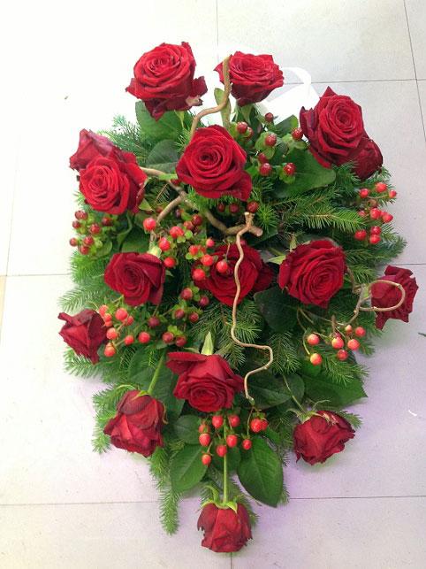 Hautajaiskukat/Kukkalaitteet